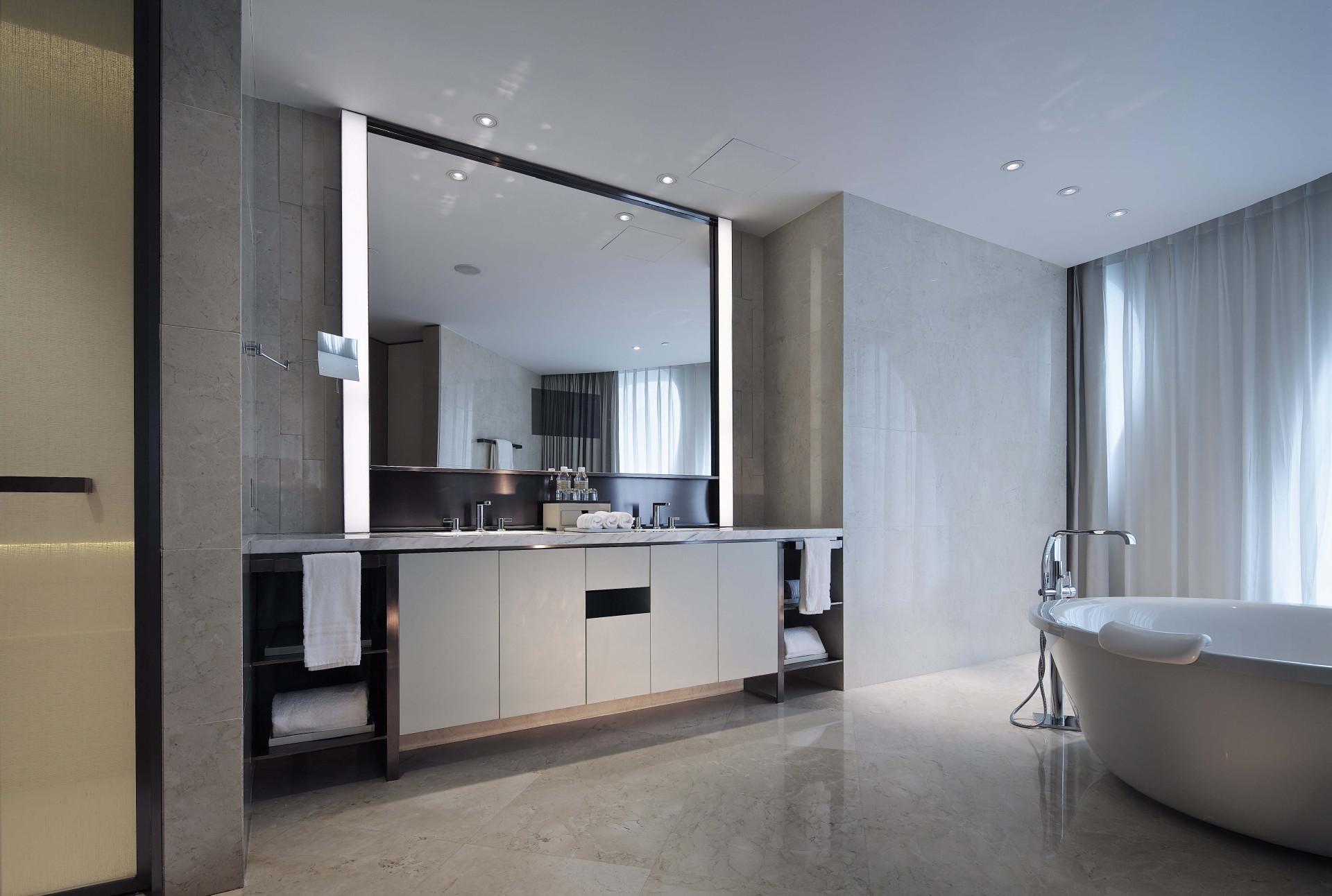 #CatchOnCurates: Futuristic Bathroom Design With Teo Su Seam Of LTW